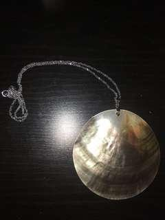 Opaque shell necklace