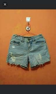Hot pant jeans