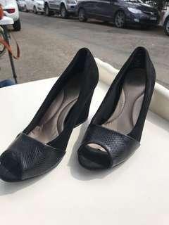 Peep-Toe, Block Heel Size 6