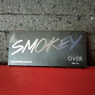 💝 Make Over Eyeshadow Pallete - SMOKEY