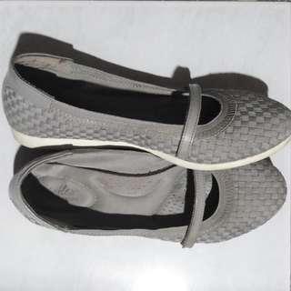 Dexflex Comfort Womens Ladies Gray Slip-On Flats Shoes