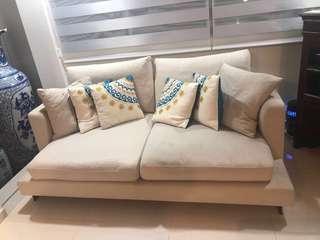 SALE Free delivery Castlery coria 2.5seater sofa