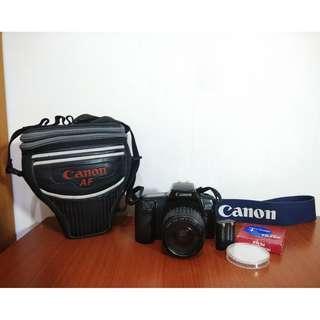 Canon EOS 1000F+Canon EF 35-80mm 鏡頭+原廠背帶 相機包 電池