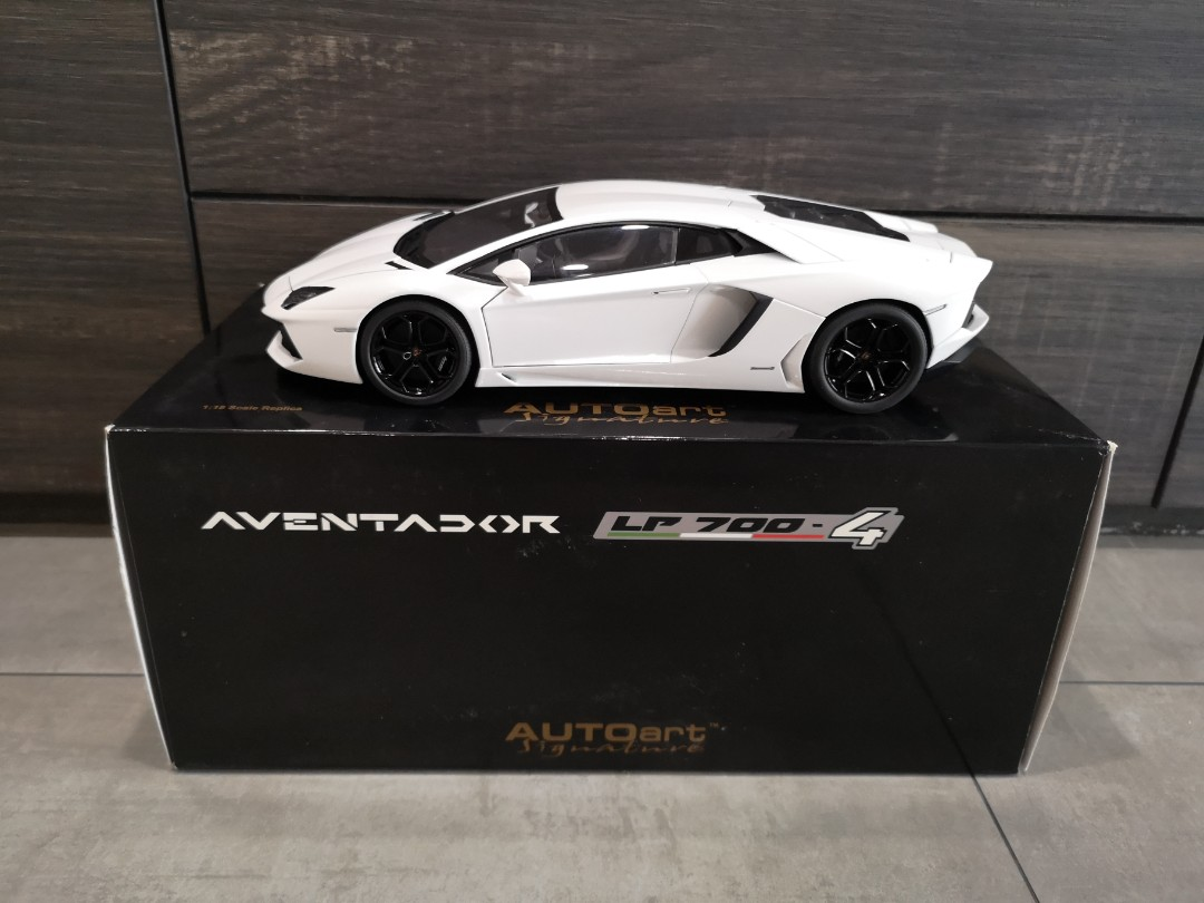 1 18 Autoart Lamborghini Aventador Lp700 4 Bianco Isis White