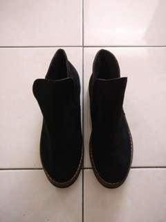 Black suede boots #EVERYTHING18