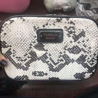 victoria secret sling bag