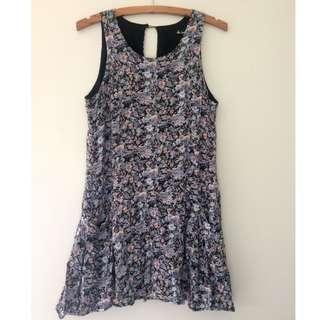 FLATTERING drop waist dress - size 8-10