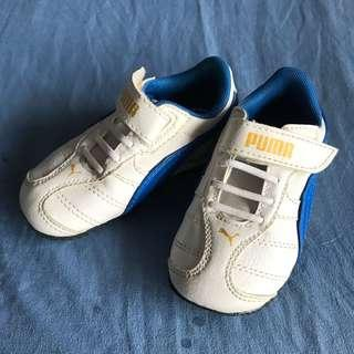 Like new Puma sneakers size 5