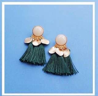 Castle earrings in green