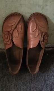 Sepatu Clark wanita