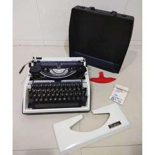 早期摩登時代 美好時光 1970年代 vintage 荷蘭製 Royal 打字機 typewriter