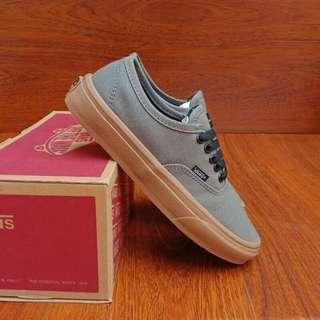 Vans authentic grey sole gum