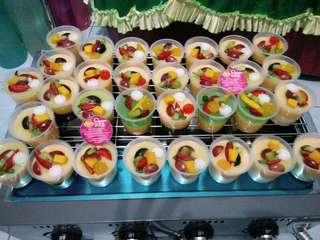 Puding Cup Cream toping buah