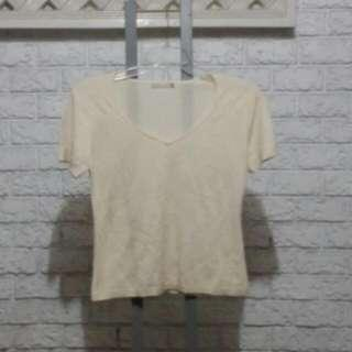 G2000 V Neck Creme Colored Knitted Top Size 11 For Women