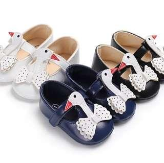 🚚 BN Baby Girl Formal Swan Crib Shoes / Prewalkers 12cm! 6-12mths! Navy/White/Black avail!