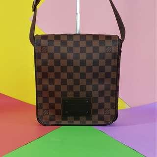 AUTHENTIC LOUIS VUITTON BROOKLYN PM DATECODE: SR0160 (LV2424)