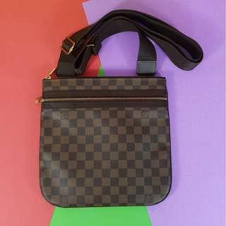 AUTHENTIC LOUIS VUITTON BOSS FALL DATECODE: MI0098 (LV2423)