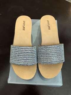 Diamond sandal