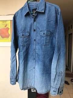 Kemeja Jeans gradasi warna