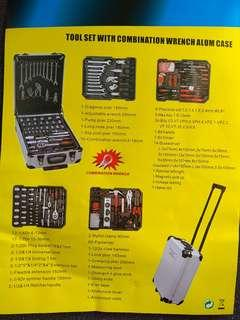 tools set with aluminium case