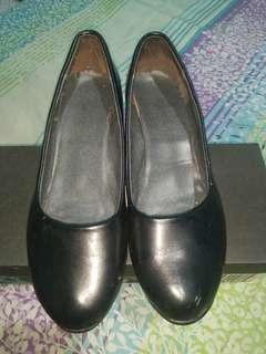 Preloved Orig Black Shoes