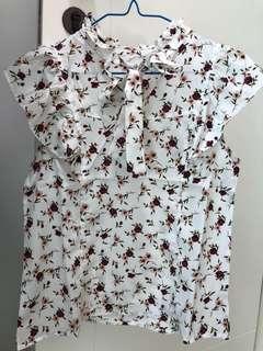 白色花花背心衫
