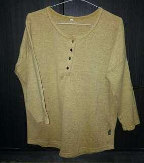 Baju atasan wanita warna kuning mustard