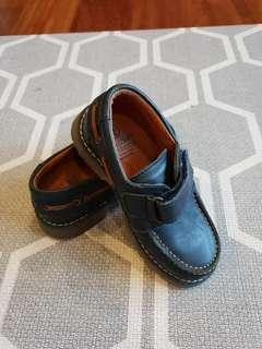 Boy's imported shoes