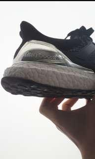 21fb2f7a81419 sneaker restoration (wash + boost painting + crep protect)