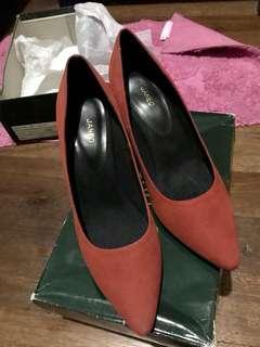 Janeo Heels (Rust-Suede)