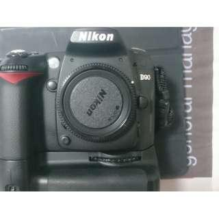 Nikon D90 Body with Battery Grip MB-D80