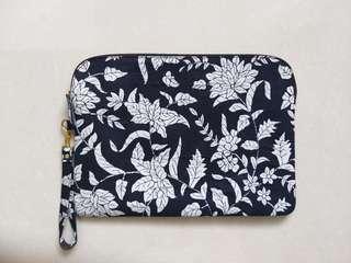 Laptop case batik cirebon