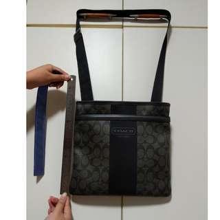 100% Authentic MINT CONDITION COACH SLING BAG