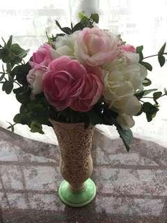 假花束連復古花瓶