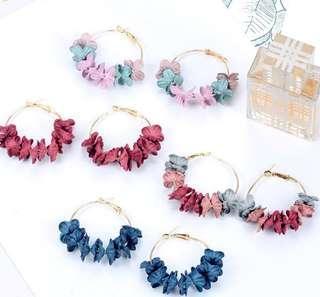 🔥PO🔥 Flower Hoop Earrings
