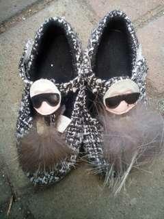 diskon!!!!turun harga!!sepatu anak sz 28
