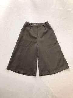 The Tinsel Rack TTR Olive Culottes