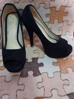 B Club Black Suede Heels