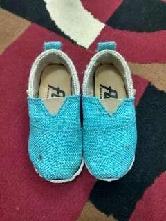 Slip on unisex for kids