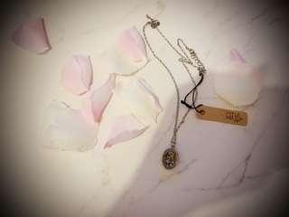 Ans necklace