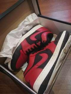 Air Jordan 1 Low (Red and Black)