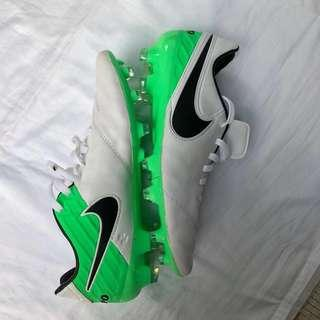 Nike Tiempo Legend soccer shoes