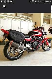 Honda CB400 Super 4