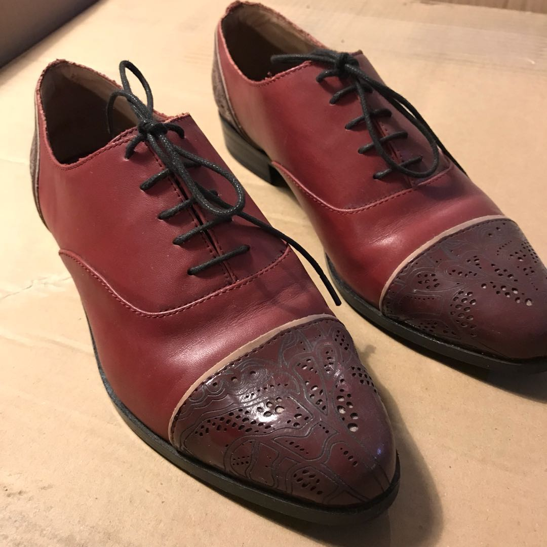 85a1d290684c 2ND HAND Charles   Keith Wingtip Oxford Shoes