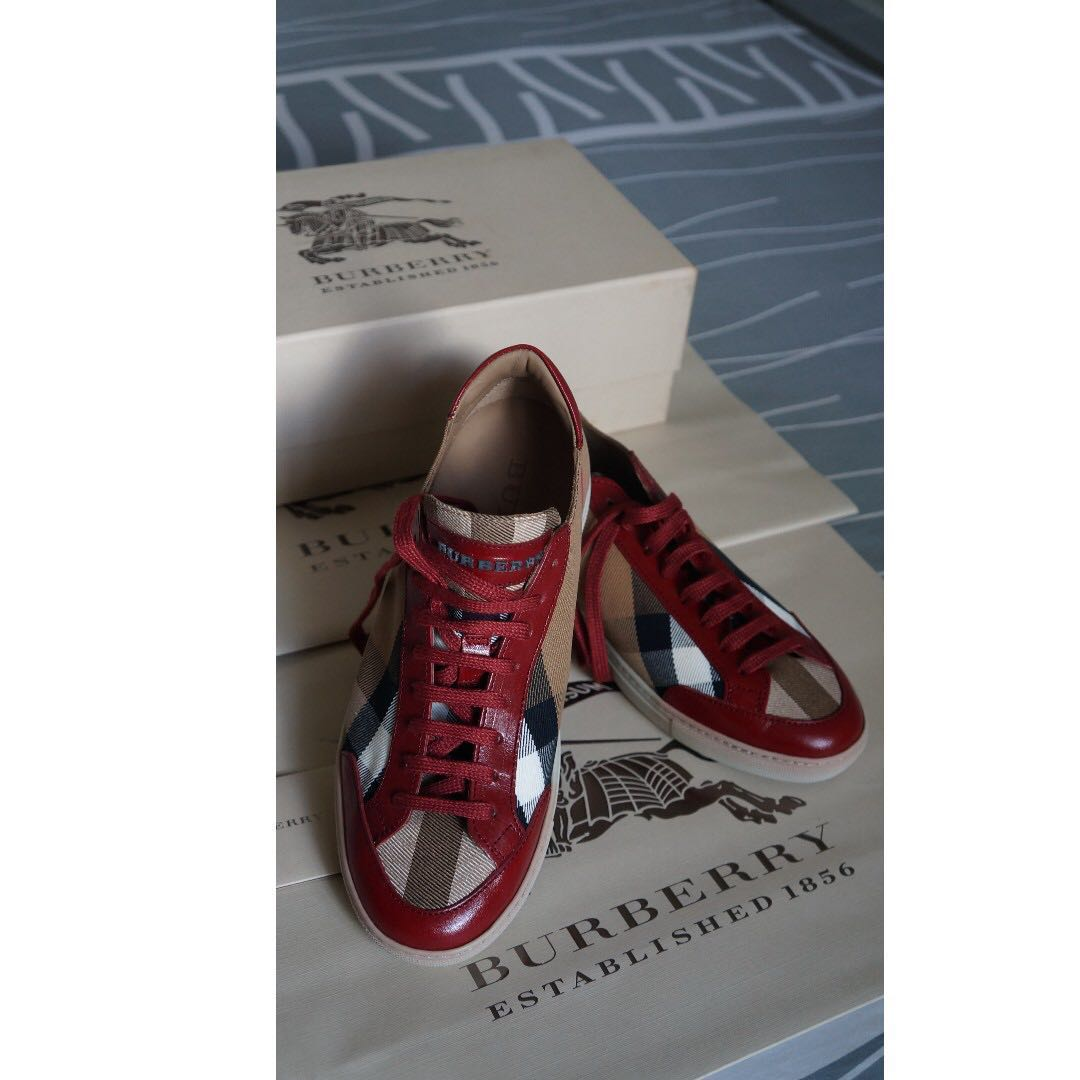 38451b3c9af Burberry Sneaker Deep Red EU37 UK4  House Check Canvas Trainers ...