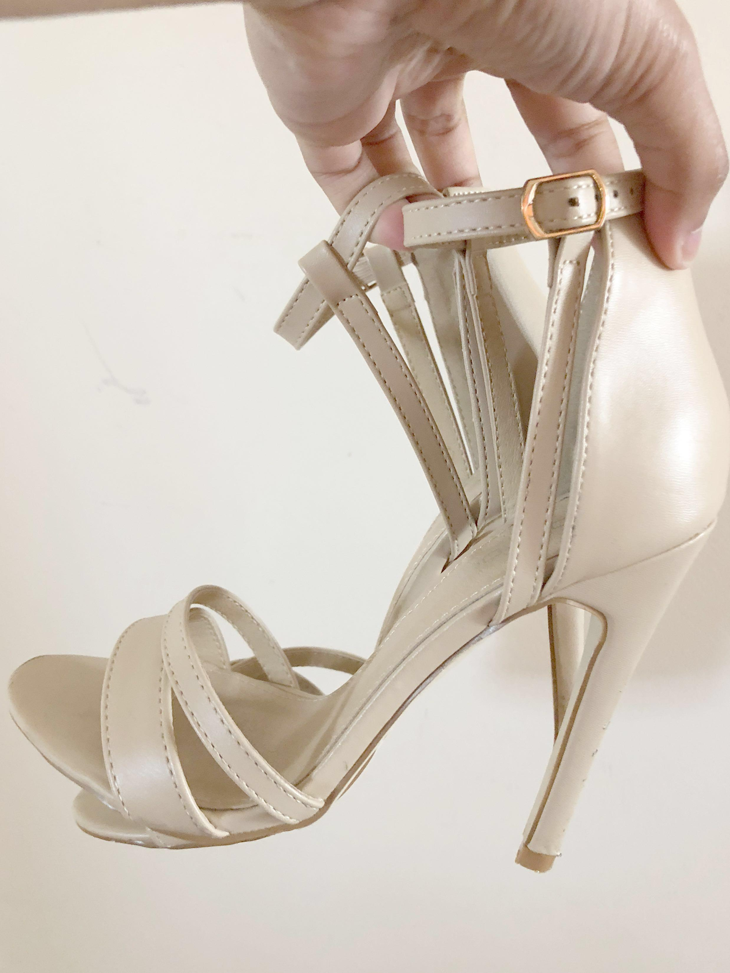 Nude Boohoo heels size 5 womens