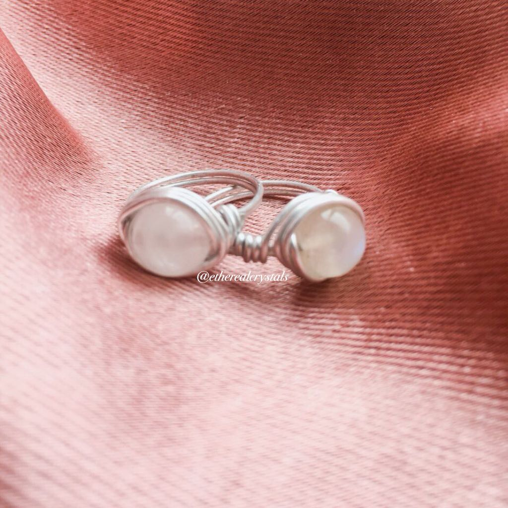 Rose Quartz & Moonstone Rings, Preloved Women\'s Fashion, Jewelry on ...