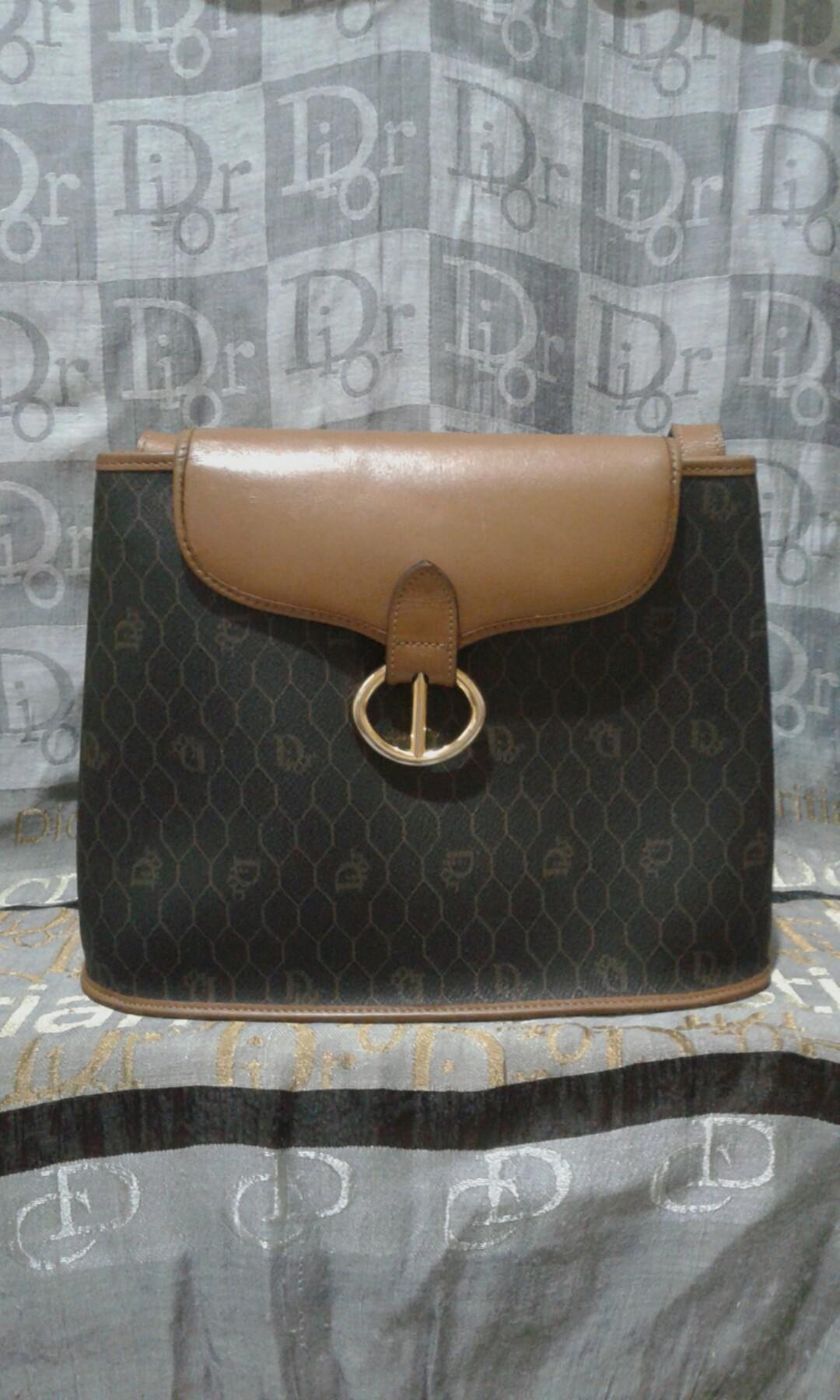 fa943325dc73 SALE!!! Christian Dior slingbag
