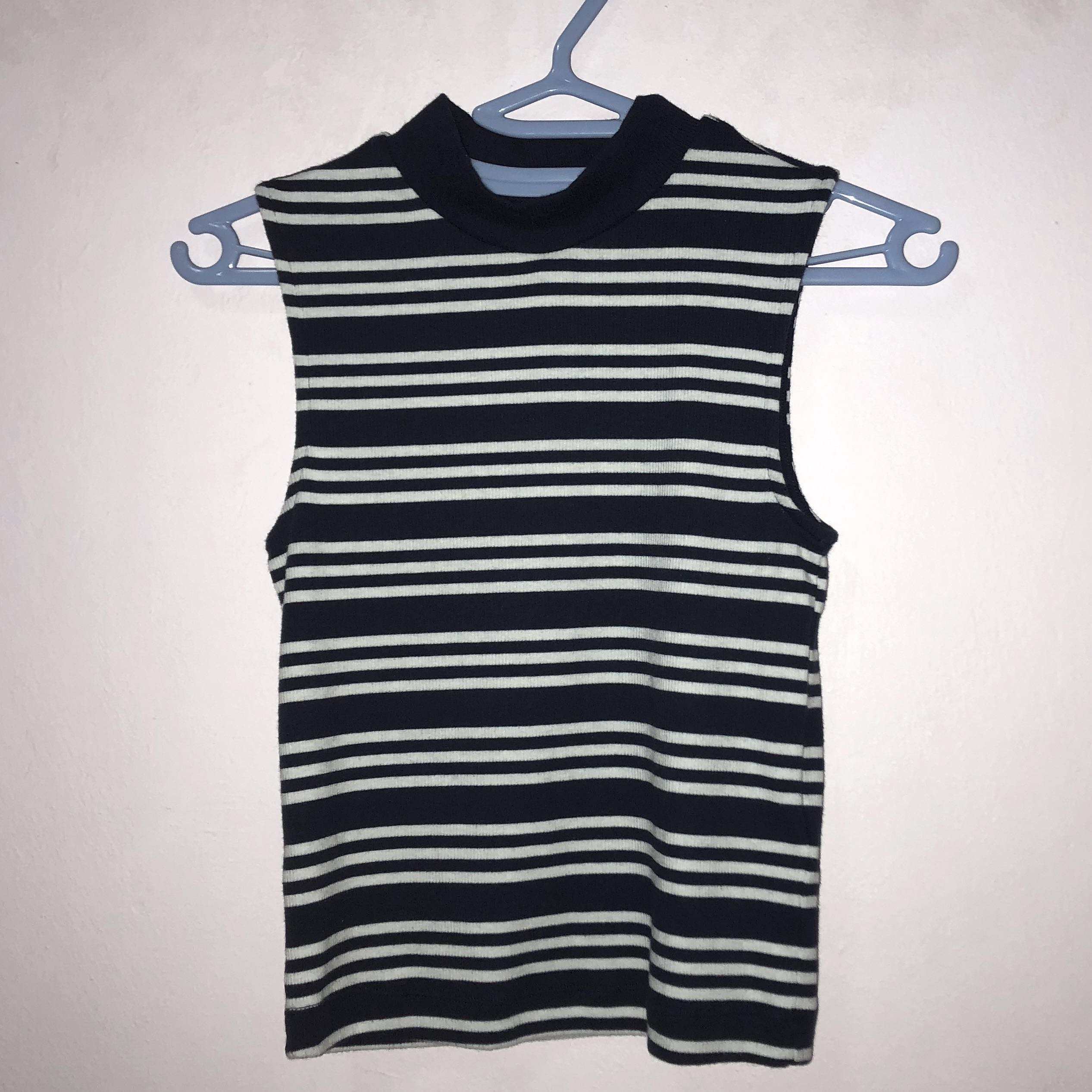 6b86ec75ab1d03 Striped high neck ribbed sleeveless crop TOP, Women's Fashion, Clothes, Tops  on Carousell