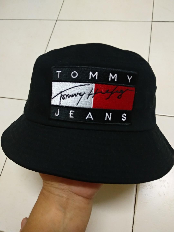 7a9ea878a572d Tommy Hilfiger Bucket Hat